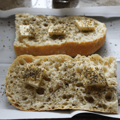 Make Your Own Delicious Tuscan Garlic Bread!
