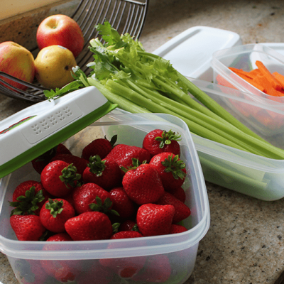 How to Make School Lunch Prep Easier (and a Rubbermaid® FreshWorks Giveaway!)